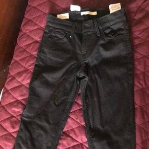 "Black Levi's ""Super Skinny"" jeans size 26"